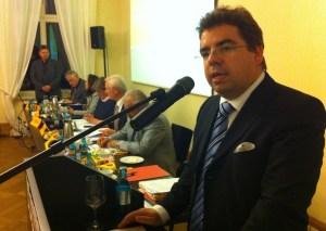 Michael Koch bei seiner Rede als Fraktionsvorsitzender